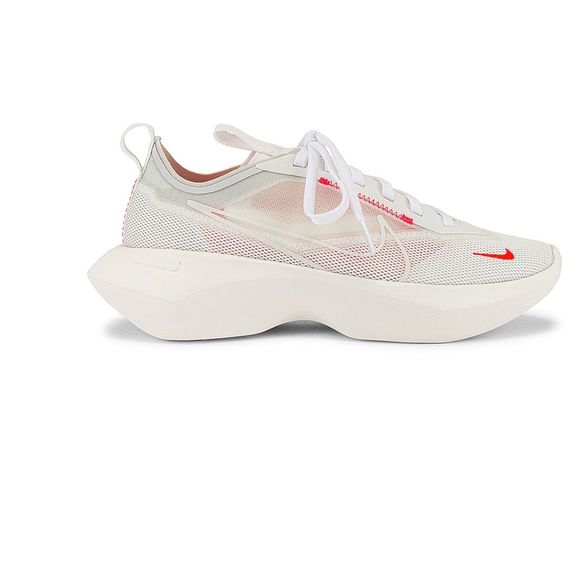 Nike Vista Lite SneakerLaser Crimson & Photon Dust